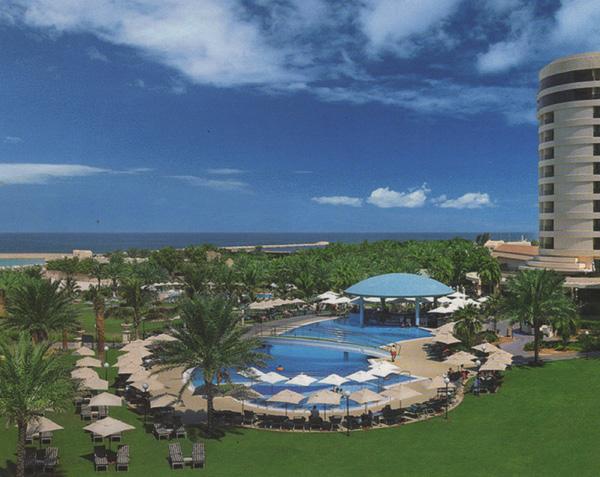 Le Royal Mériden Beach Resort