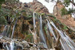 iran-shiraz-margoon waterfall